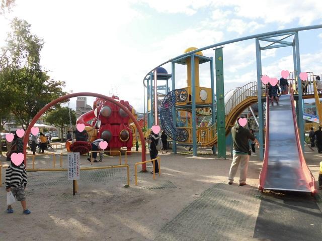 二十世紀梨記念館なしっこ館外にある倉吉パークスクエア野外遊具